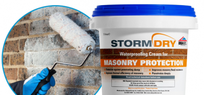 Water-repellent cream for the protection of masonry.